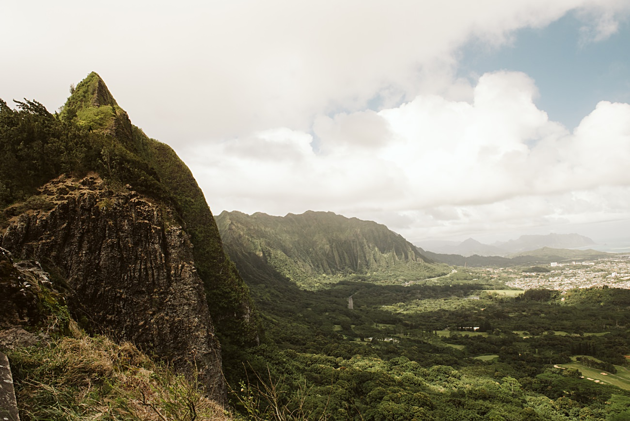 Nu'uanu Pali Lookout,  honolulu waikiki, travel hawaii, must see places in hawaii, our madison life, natural intuition photography,